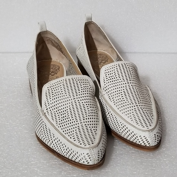 b160701840d Vince Camuto Kade White Leather Eyelet Loafers. M 5b039d80331627cf5171b952
